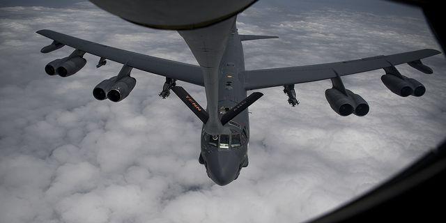 Amerikanskt stridsflyg (B-52H Stratofortress). TT