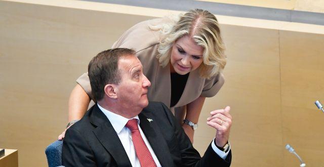 Statsminister Stefan Löfven och socialminister Lena Hallengren/Arkivbild Henrik Montgomery/TT / TT NYHETSBYRÅN