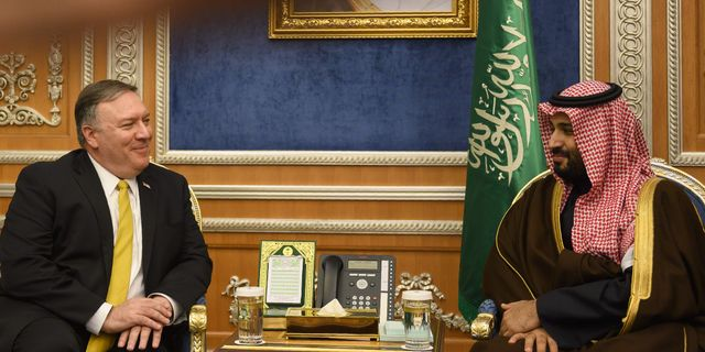 USA:s utrikesminister Mike Pompeo och den saudiska kronprinsen Mohammed bin Salman. ANDREW CABALLERO-REYNOLDS / POOL