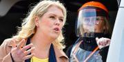 Socialminister Lena Hallengren har flera gånger sagt att Sveriges mål är att testa 100000 personer i veckan. Jonas Ekströmer/TT / TT NYHETSBYRÅN