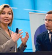 Ebba Busch (KD), Ulf Kristersson (M) och Stefan Löfven (S).  TT