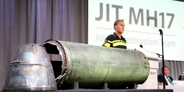 En skadad missil visas upp en presskonferens i Nederländerna den 24 maj Francois Lenoir / TT NYHETSBYRÅN