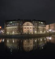Riksdagshuset i Stockholm/Johan Hultberg (M) och Pia Steensland (KD). TT