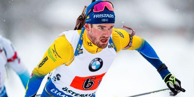 Fredrik Lindström under lördagens stafett. JOHAN AXELSSON / BILDBYRÅN