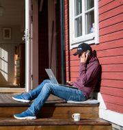 Ergonomisk utrustning är viktigt vid hemarbete, menar experter. Jessica Gow/TT / TT NYHETSBYRÅN