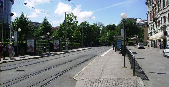 Spårvagnshållplatsen vid Grönsakstorget i Göteborg. Wikimedia Commons.