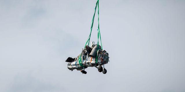 Bärgning av vrakdelar från flygplanet i flygolyckan i Umeå där nio personer omkom. Patrick Trägårdh/TT / TT NYHETSBYRÅN