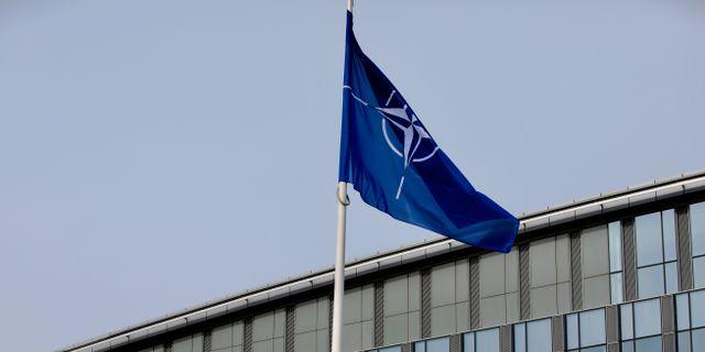 Nato-flaggan i Bryssel. Olivier Matthys / TT NYHETSBYRÅN