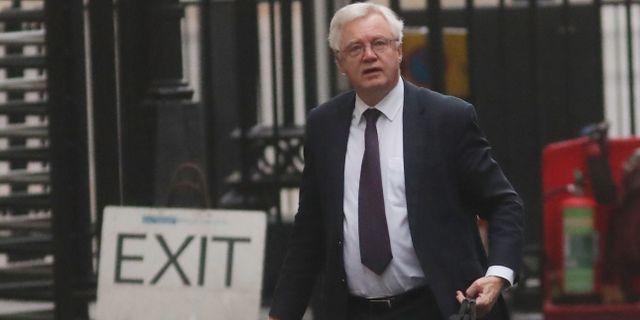 David Davis utanför premiärministerns kontor i London i december. DANIEL LEAL-OLIVAS / AFP