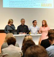 Partiledarna vid dagens presskonferens Vilhelm Stokstad/TT / TT NYHETSBYRÅN