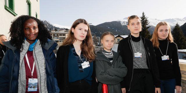 Bilden där även Vanessa Nakate är med. Markus Schreiber / TT NYHETSBYRÅN