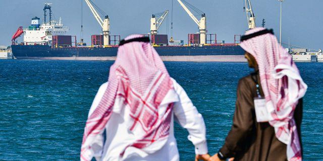 Arkivbild: En oljetanker utanför hamnen Ras al-Khair i Saudiarabien i december 2019.  GIUSEPPE CACACE / TT NYHETSBYRÅN