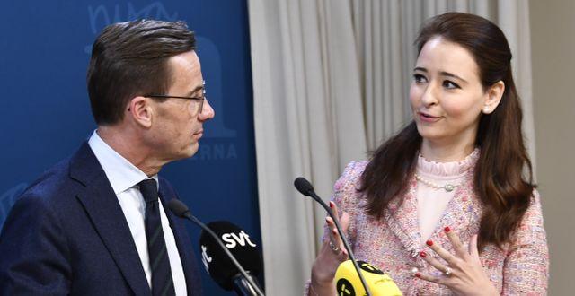 Ulf Kristersson och Alice Teodorescu Måwe.  Henrik Montgomery/TT / TT NYHETSBYRÅN