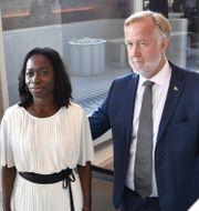 Nyamko Sabuni och Johan Pehrson.  Jessica Gow/TT / TT NYHETSBYRÅN