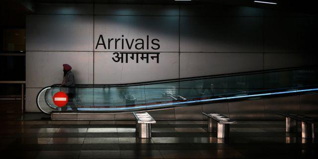 koppla in i New Delhi