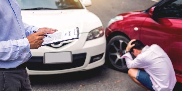 Vem kan man skylla på när en självkörande bil krockar? Shutterstock