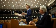 EU-kommissionens ordförandeUrsula von der Leyen vid gårdagens omröstning. Francisco Seco / TT NYHETSBYRÅN