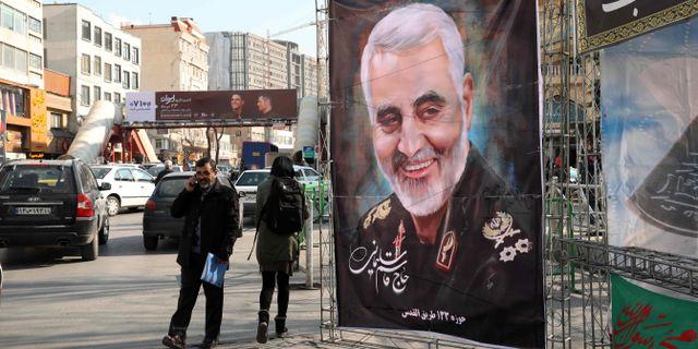 En affisch på Qassem Soleimani i Teheran. ATTA KENARE / AFP