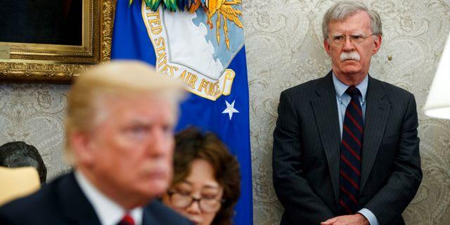 John Bolton och Donald Trump  Evan Vucci / TT NYHETSBYRÅN