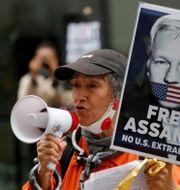 Assangesupporter/Arkivbild.  Frank Augstein / TT NYHETSBYRÅN