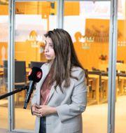 V-ledaren Nooshi Dadgostar och C-ledaren Annie Lööf. Amir Nabizadeh/TT / TT NYHETSBYRÅN
