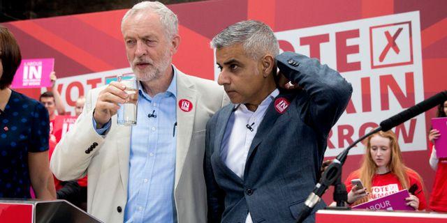 Arkivbild. Corbyn och Khan under stanna-kampanjen, 2016. Matt Dunham / TT NYHETSBYRÅN/ NTB Scanpix