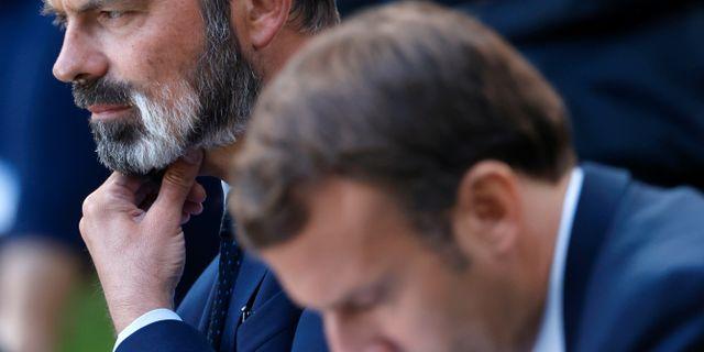 Populäre Edouard Philippe och Emmanuel Macron. Arkivbild. Christian Hartmann / TT NYHETSBYRÅN
