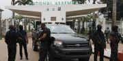 Säkerhetsstyrkor utanför parlamentet. AFOLABI SOTUNDE / TT NYHETSBYRÅN