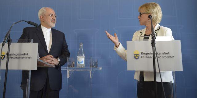 Irans utrikesminister Mohammad Javad Zarif vid en presskonferens med Sveriges utrikesminister Margot Wallström (S).  Maja Suslin/TT / TT NYHETSBYRÅN