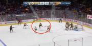 Situationen där Elias Petterson gör mål. Skärmdump NHL.com