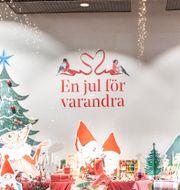 Illustrationsbild. Julskyltning i Åhléns varuhus i centrala Stockholm.  Amir Nabizadeh/TT / TT NYHETSBYRÅN