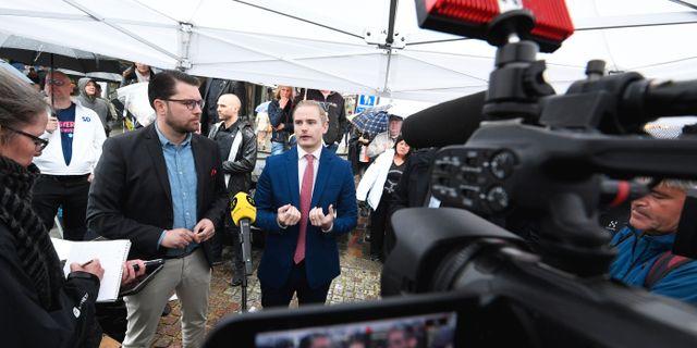 Partiledare Jimmie Åkesson och presschef Henrik Gustafsson.  Johan Nilsson/TT / TT NYHETSBYRÅN