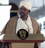 Omar al-Bashir under ett tal i februari tidigare i år.  Mohamed Abuamrain / TT NYHETSBYRÅN/ NTB Scanpix