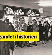 Köer utanför det kvällsöppna snabbköpet i anslutning till tunnelbanan vid Hötorget, Stockholm cirka 1955. Bild ur Martin & Serveras historiska arkiv hos Centrum för Näringslivshistoria.