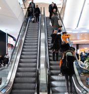 Uppgångar på börsen. Foto: Westfield Mall of Scandinavia i Solna, 2020. Amir Nabizadeh/TT / TT NYHETSBYRÅN