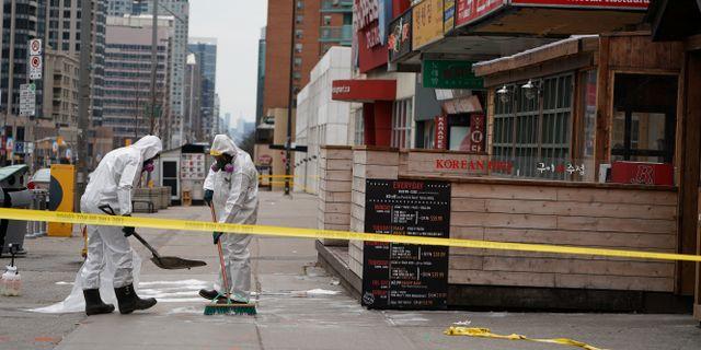 Arbete efter attacken i Toronto. CARLO ALLEGRI / TT NYHETSBYRÅN