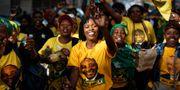 Unga ANC-supportrar.  Ben Curtis / TT NYHETSBYRÅN/ NTB Scanpix