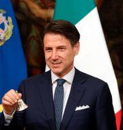 Giuseppe Conte, Italiens premiärminister, i mitten. CIRO DE LUCA / TT NYHETSBYRÅN