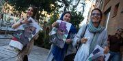 Anhängare till president Hassan Rouhani inför presidentvalet.  Vahid Salemi / TT / NTB Scanpix