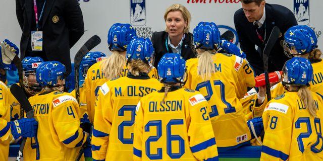 Damkronorna under Ishockey-VM i april 2019.  TOMI HÄNNINEN / BILDBYRÅN