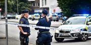 Polisen har spärrat av Drottninggatan och ett område nära Rättscentrum i Malmö efter att flera personer skjutits på öppen gata. Johan Nilsson/TT / TT NYHETSBYRÅN
