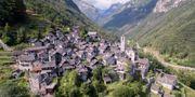 Corippo håller på att avbefolkas sedan den yngre generationen flyttat till storstaden. Ticino Turismo
