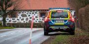 Polisen ryckte ut efter ett rån mot en gård i Ystadstrakten.  Johan Nilsson/TT / TT NYHETSBYRÅN