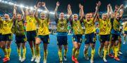 De svenska spelarna jublar efter åttondelsfinalen. SIMON HASTEGÅRD / BILDBYRÅN