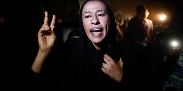 Kvinnlig demonstrant under protesterna mot Omar al-Bashir i juni 2019. Hussein Malla / TT NYHETSBYRÅN