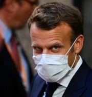 Emmanuel Macron lämnar mötet på måndagsmorgonen Olivier Matthys / TT NYHETSBYRÅN