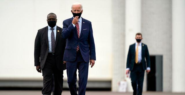 Arkivbild: Joe Biden på väg till en kampanjtillställning i Florida Patrick Semansky / TT NYHETSBYRÅN