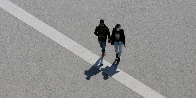 Portugiser i huvudstaden Lissabon. Armando Franca / TT NYHETSBYRÅN