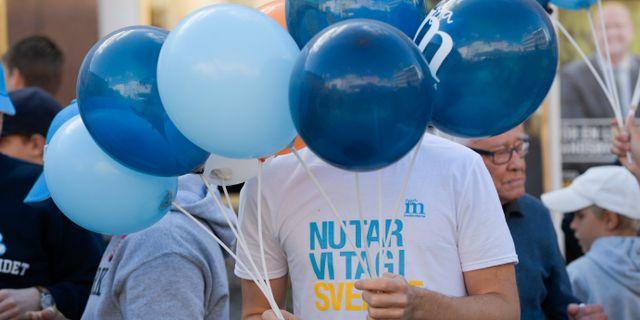 Moderatballonger inför Moderaternas partiledare Ulf Kristerssons torgmöte i Linköping inför valet. Anders Wiklund/TT / TT NYHETSBYRÅN