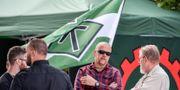 Medlemmar i Nordiska motståndsrörelsen hade ett tält i Almedalen 2017. Janerik Henriksson/TT / TT NYHETSBYRÅN